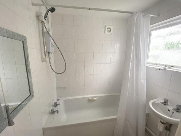 4ET-6-Bathroom
