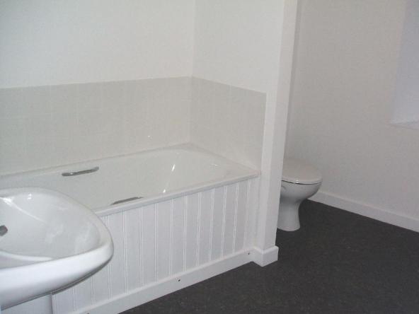 5TS-6-Bathroom
