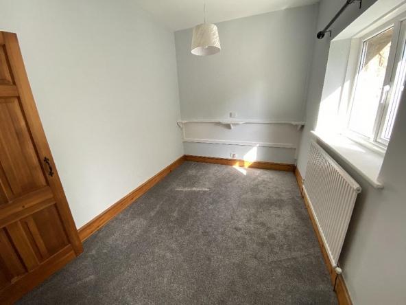 LL-8-Bedroom2