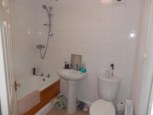 1a-7-Bathroom