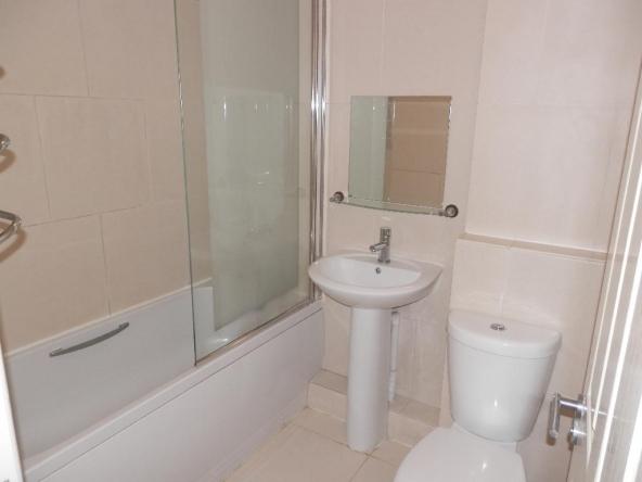 5WP-10-Bathroom
