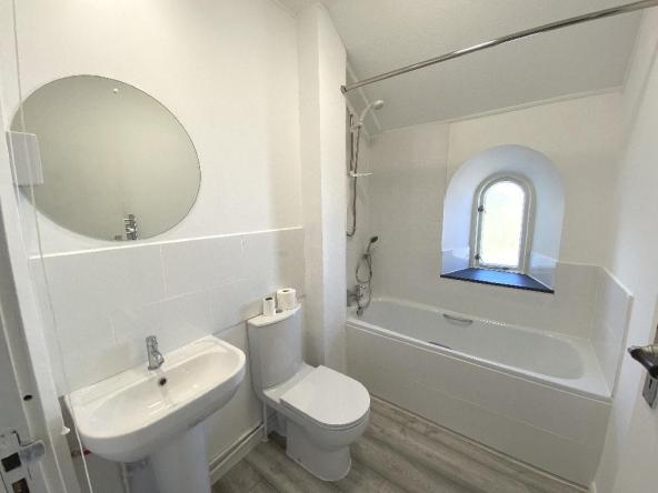B2C-6-Bathroom
