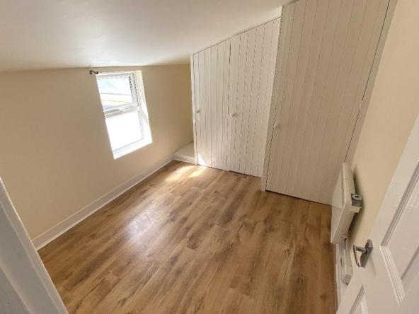 1VP-13-Bedroom4