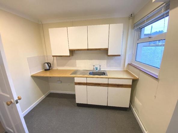 4B-6-Kitchen