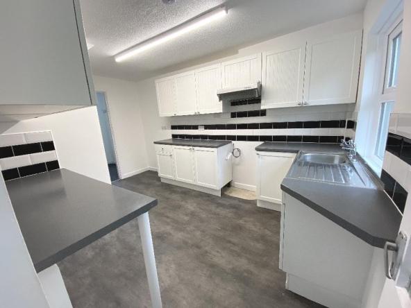 R-4-Kitchen