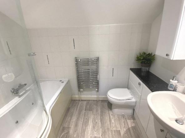 F2-20a-6-Bathroom